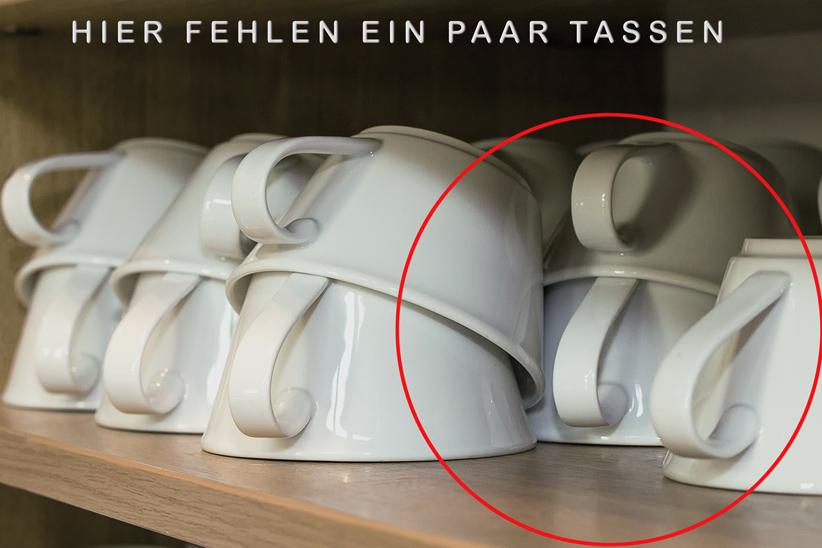 Tassen im Schrank-klein